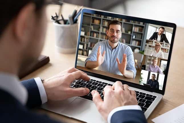 ارتباطات غیرکلامی در یک محیط مجازی